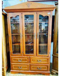 Display Cabinet (3Doors)