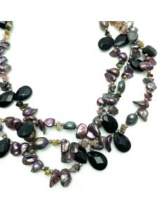 NECKLACE WITH ONYX STONE
