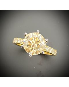2.5 Carat Brilliant Cut Diamond Ring 18KYG